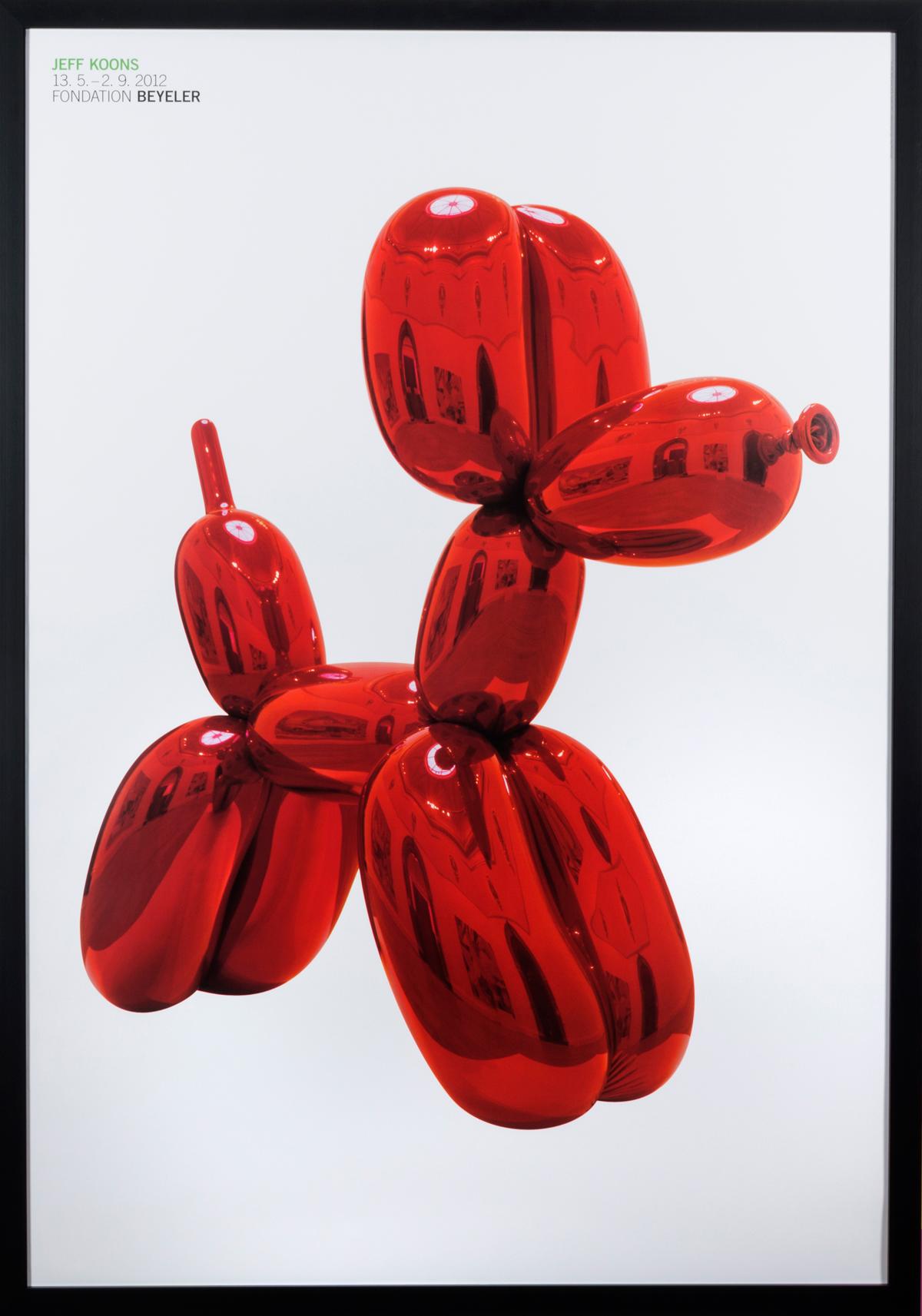 Balloon Dog in frame